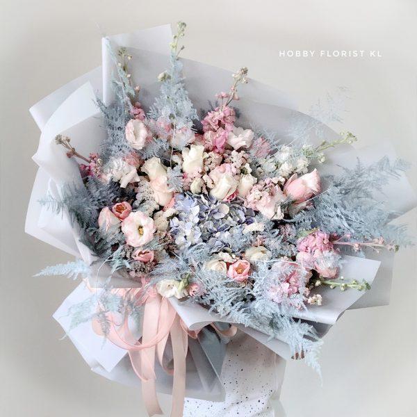 Premium Floral Arrangement Artisan Designer Bouquet Kuala Lumpur Large Bouquet for Special Occasions and Anniversaries Malaysia