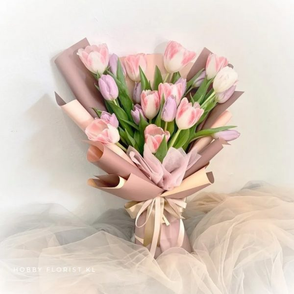 Bloom Sweet Pink Tulips Bouquet Malaysia Premium Tulips Bouquet Kuala Lumpur Best Online Florist Tulips Bouquet Delivery Klang Valley Affordable Best Birthday Flowers Anniversary Gift KL