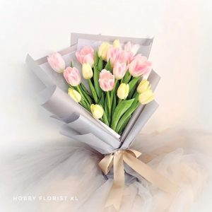 Sweet Tulips Bouquet Malaysia Pink and Yellow Tulips Bouquet Klang Valley Best Online Florist Bouquet Delivery Klang Valley Flower Gift for Birthday and Anniversary