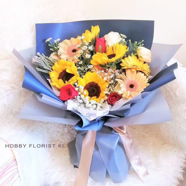 Premium Sunflower Bouquet Malaysia Sweet Gift for Anniversary and Graduation