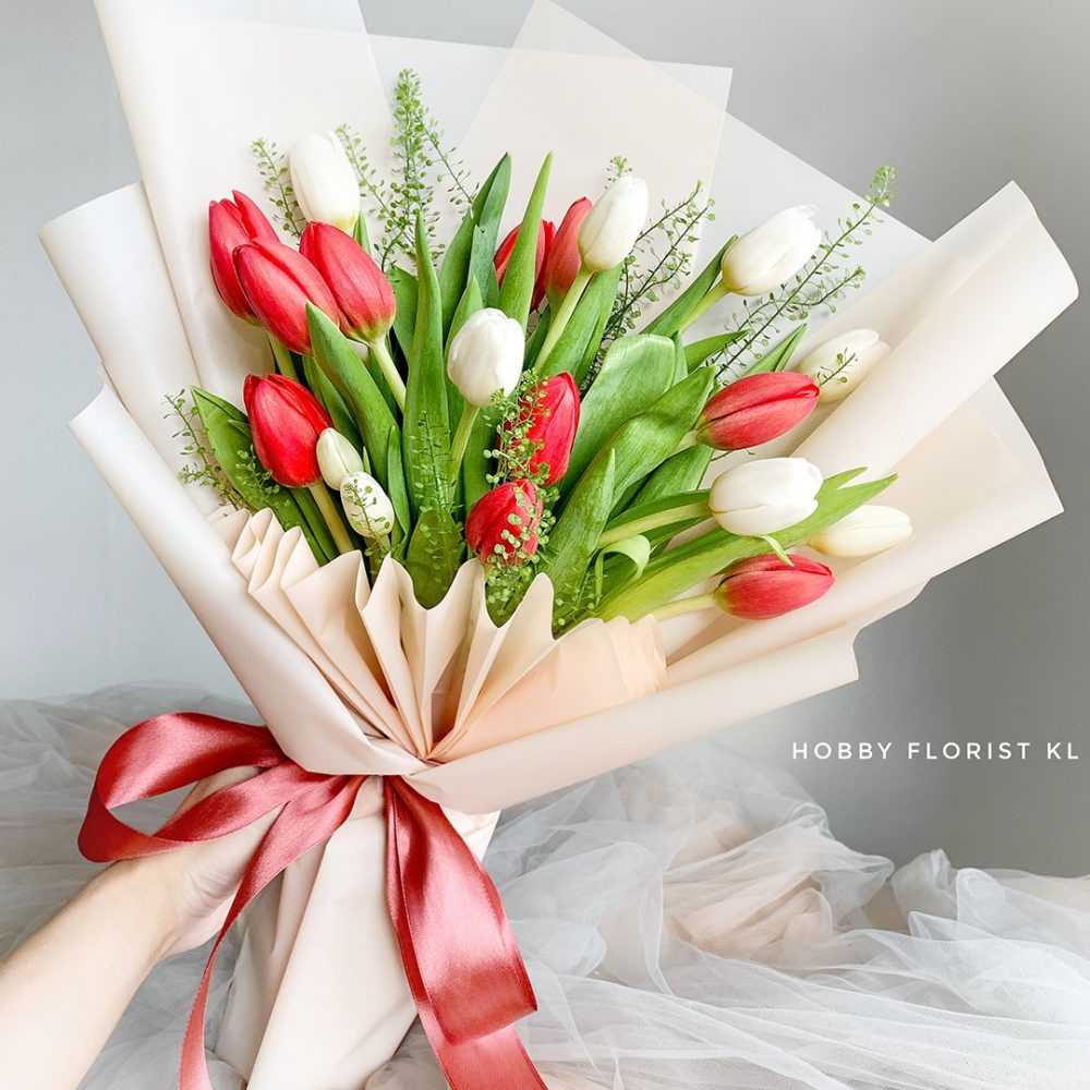 Shelly Tulip Bouquet Valentine's Day 2021