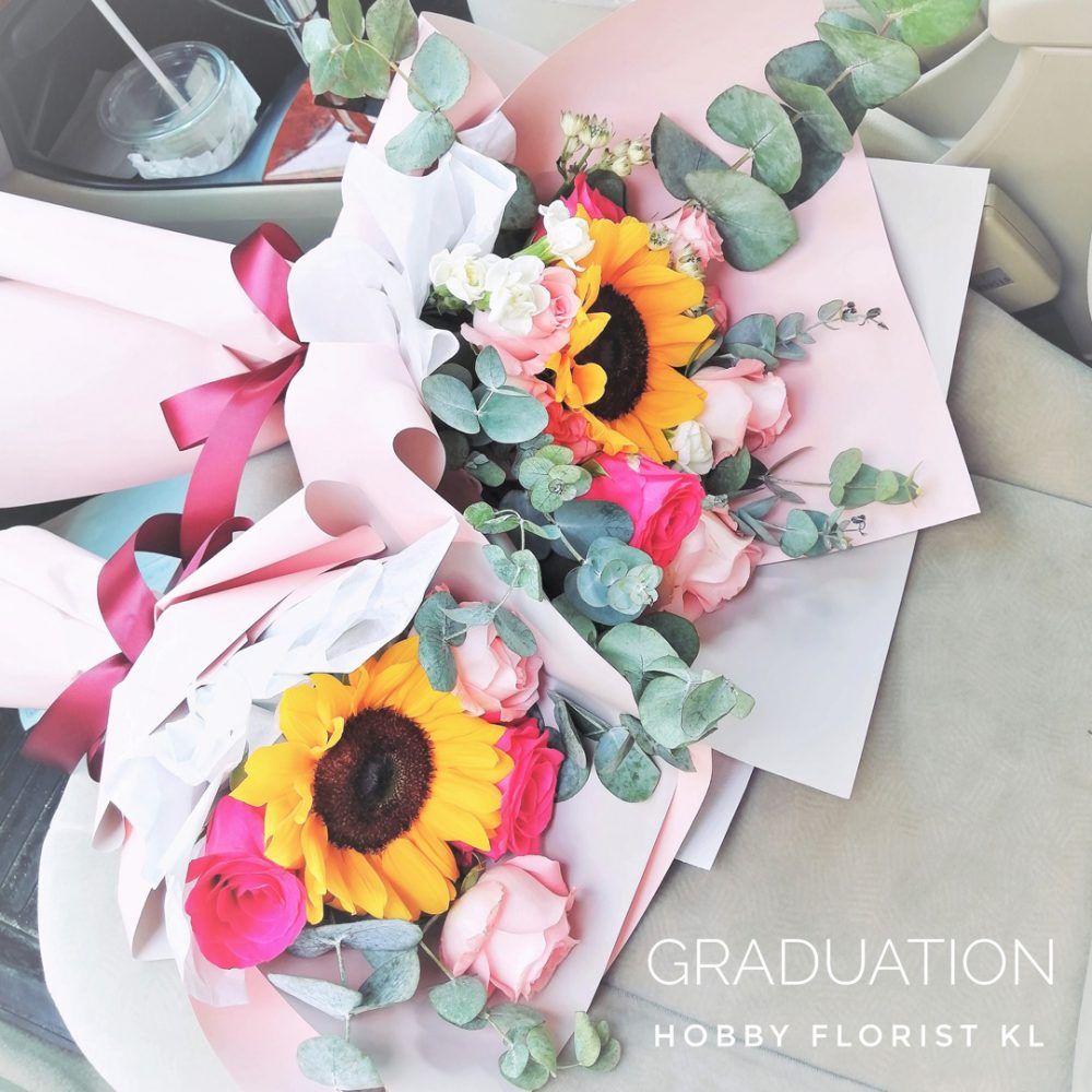 Sunflower Bouquet Malaysia Gorgeous Sunflower and Rose Bouquet KL Best Online Florist Kuala Lumpur Affordable Bouquet Delivery Klang Valley Graduation Flowers Graduation Gift Sweet Bouquet KL