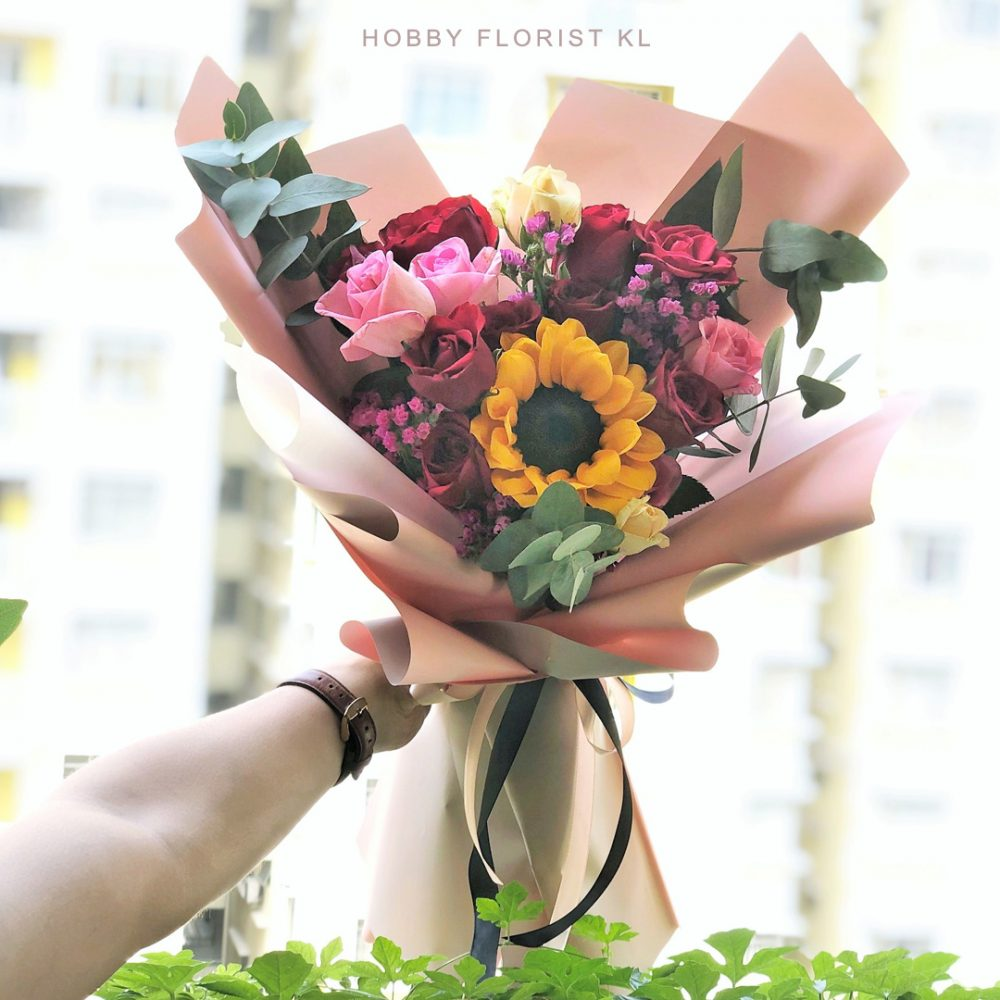 Sunflower and Rose Bouquet Malaysia for Graduation and Special Occasions Kuala Lumpur